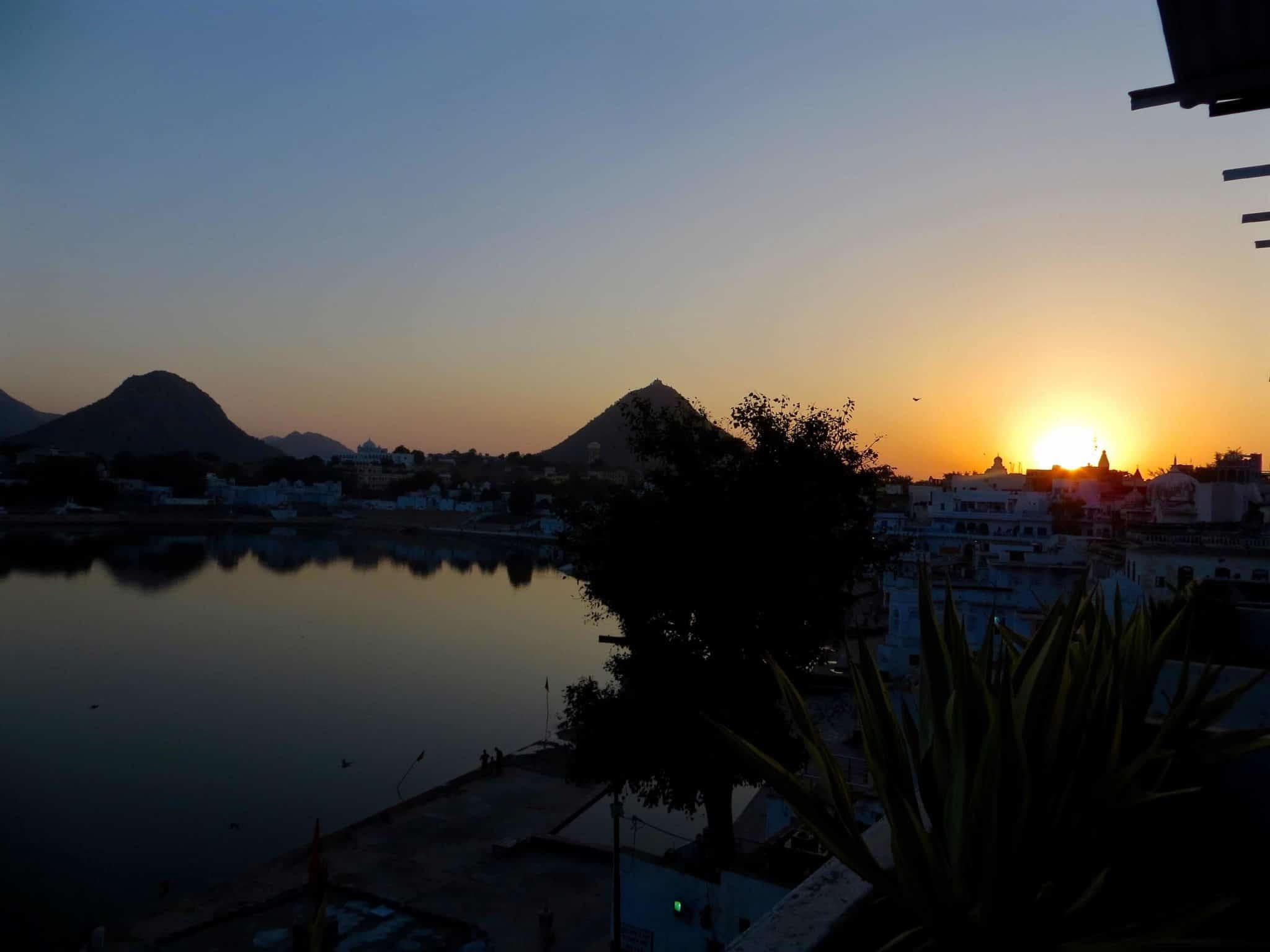 sunset-pushkar-lake