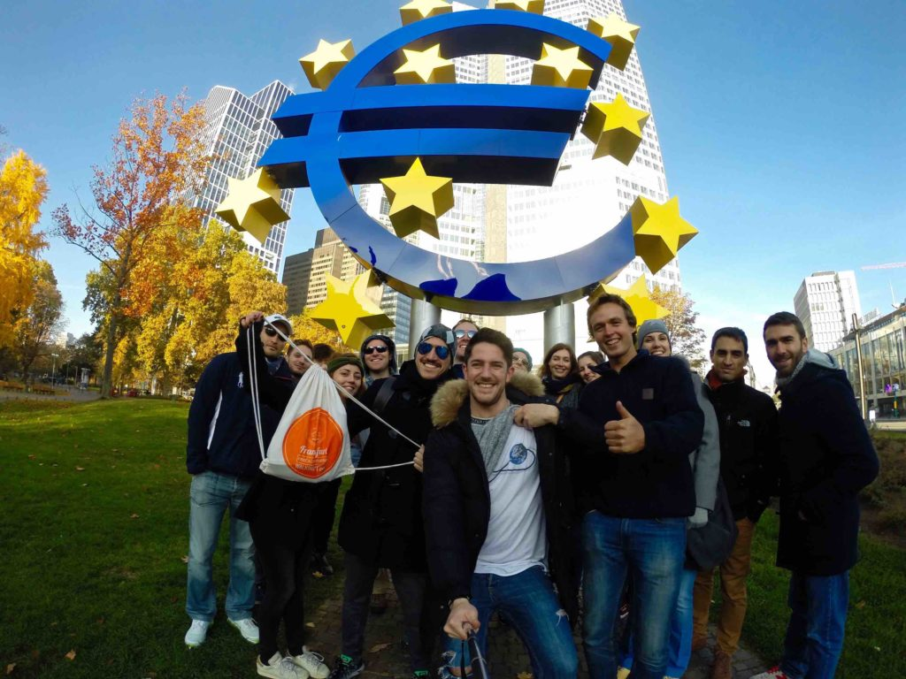 Free Walking Tour in Frankfurt in front of the European Central Bank