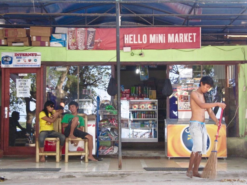 LOCAL ON GILI ISLAND