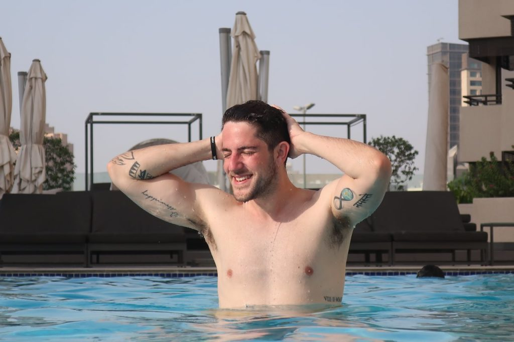 swimming in dubai