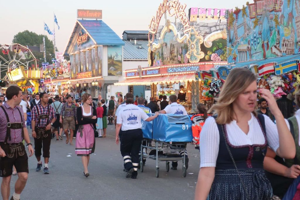 ULTIMATE TIPS FOR OKTOBERFEST BEER FESTIVAL IN MUNICH 3